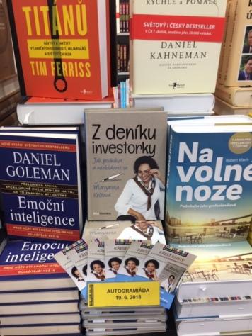 MK knížka v knihkupectví